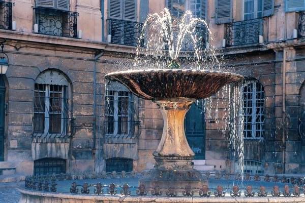 APM Aix En Provence  Aix Private Driver Guide Tours Of Aix En Provence And